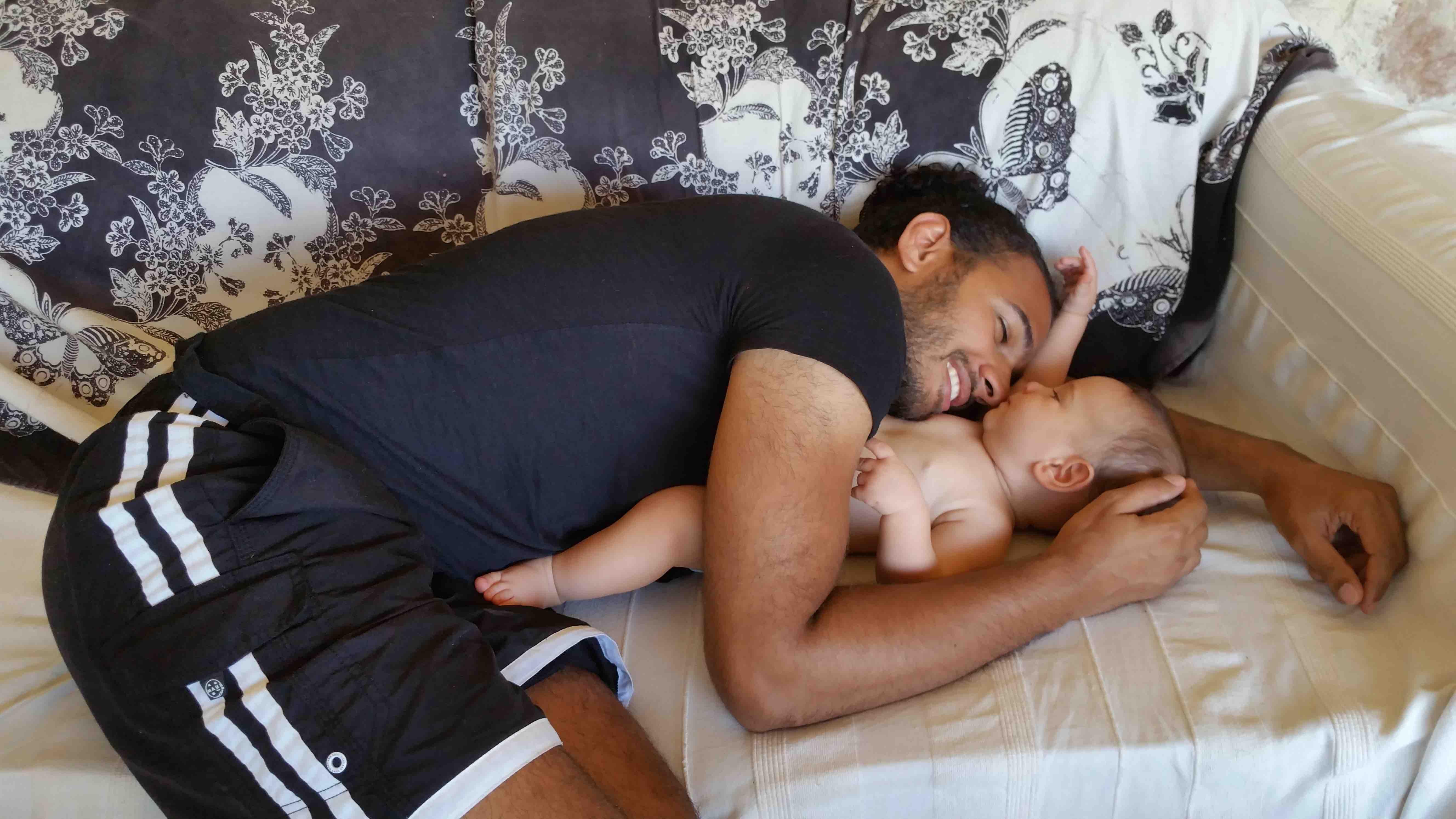 vacances en famille papa et bébé
