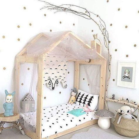 lit montessori ou comment am nager un nido avec lit au. Black Bedroom Furniture Sets. Home Design Ideas